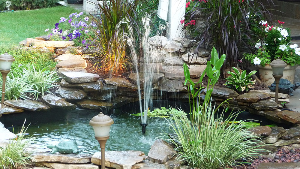 Outdoor Water Feature Trends for 2015